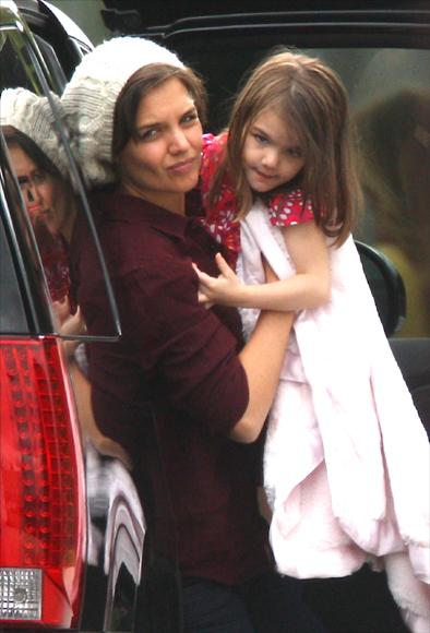 Tom Cruise recibe la grata visita de Katie Holmes y Suri en el rodaje de Wichita