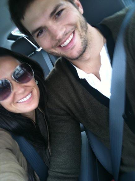 Ashton Kutcher le regala un coche ecológico a Demi Moore por su cumpleaños