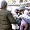 Sarah Jessica Parker y Matthew Broderick pasean con sus gemelas por Manhattan