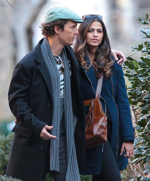 Matthew McConaughey y Camila Alves, una familia feliz en Manhattan