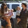 Matthew McConaughey, Camila Alves y sus hijos se van de cumpleaños