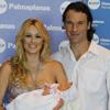 Carolina Cerezuela y Carlos Moyá, emocionados, nos presentan a su hija Carla