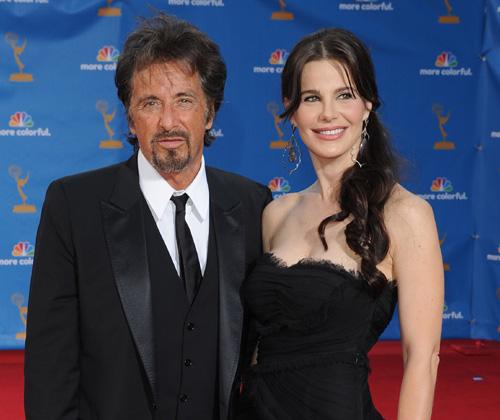 Al Pacino, George Clooney, Tom Hanks y Julia Ormond 'se cuelan por la puerta grande' en la gala de los premios Emmy