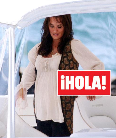 La revista ¡Hola! publica las primeras imágenes en exclusiva de Penélope Cruz embarazada