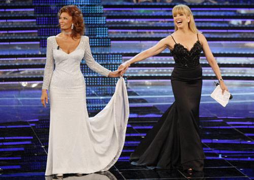 Sofía Loren, espectacular, regresa a 'Miss Italia' 60 años después de triunfar en el certamen
