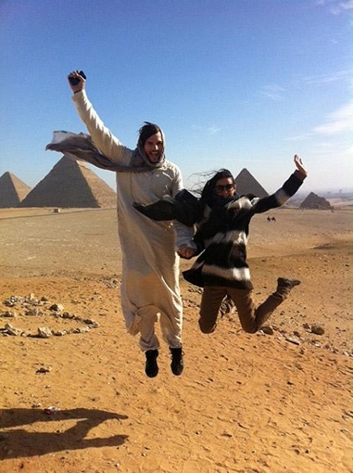 Demi Moore y Ashton Kutcher, dos espontáneos turistas en las pirámides de Egipto