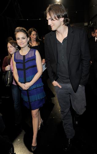 El cariñoso gesto de Natalie Portman a su 'tripita' de embarazada