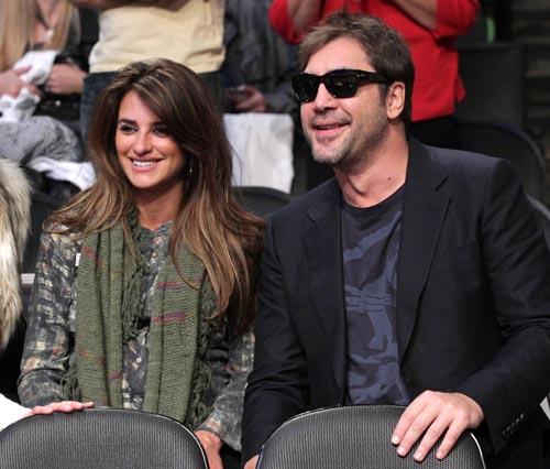 Leonardo DiCaprio y Bar Refaeli asisten a la 'baby shower' del hijo de Penélope Cruz y Javier Bardem