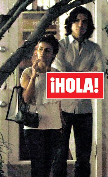 En ¡HOLA!: Álex González, el nuevo amor de Mónica Cruz