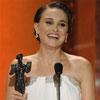 Natalie Portman luce su avanzado embarazo y triunfa en los Premios del Sindicato de Actores