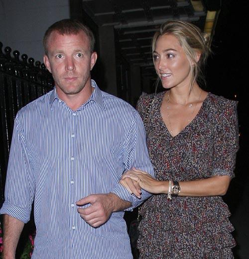 Guy Ritchie va a ser padre por tercera vez con la modelo Jacqui Ainsely