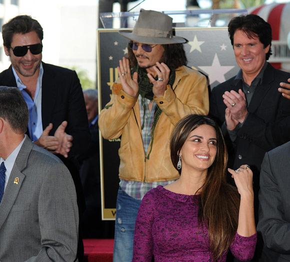 Penélope Cruz recibe su Estrella en el Paseo de la Fama acompañada por Javier Bardem