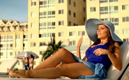 Sofía Vergara, fascinada con David Beckham en un anuncio publicitario
