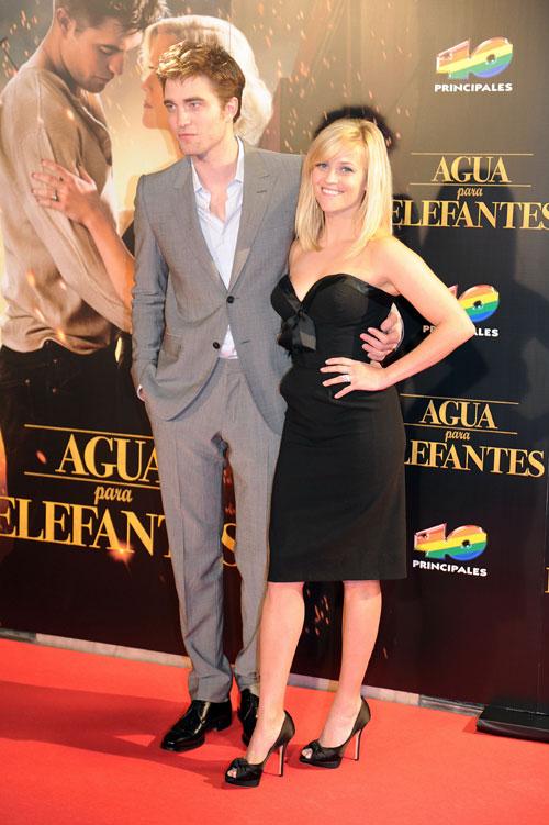Robert Pattinson y Reese Whiterspoon