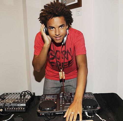 Connor, hijo de Tom Cruise y Nicole Kidman, siue los pasos artísticos de sus padres y debuta como DJ