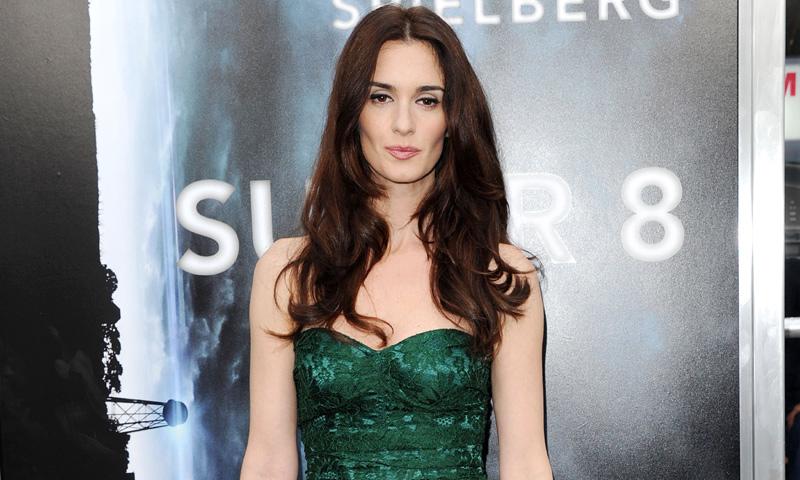 Paz Vega se 'codea' con Tom Cruise, J.J. Abrams y Steven Spielberg en el estreno de 'Super 8'
