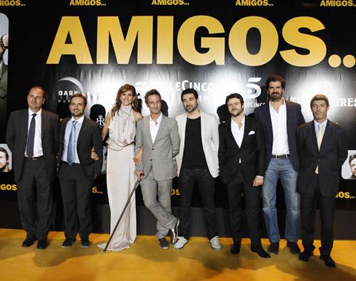 Una espectacular Goya Toledo estrena entre 'amigos' su nueva película en Madrid