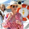 Catherine Zeta-Jones, radiante y feliz en sus vacaciones a bordo de un yate en la Costa Azul