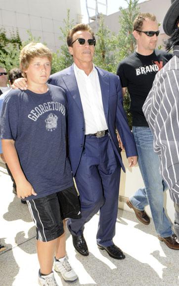 Arnold Schwarzenegger y Maria Shriver esperan que su hijo menor 'se recupere totalmente' del accidente que sufrió mientras practicaba surf