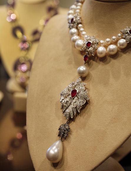 Conozca la espectacular colecci n de joyas de elizabeth for Designer di gioielli