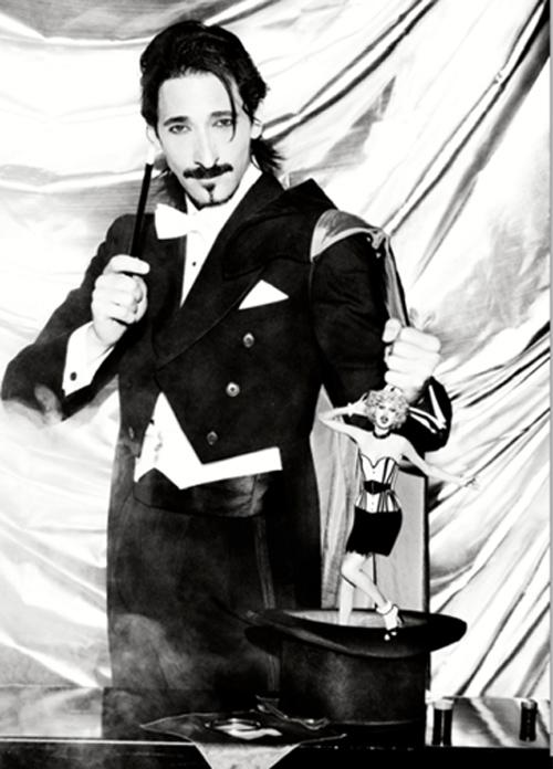 Las fotografías inéditas de Adrien Brody como un seductor modelo de los años 20