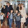 La familia Jolie-Pitt conquista con su sonrisa, naturalidad y entusiasmo a los japoneses