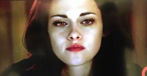 ... finos pómulos...Kristen Stewart, 'Bella', se convierte en vampiro