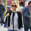 Sienna Miller, radiante y feliz, continúa trabajando en su quinto mes de embarazo
