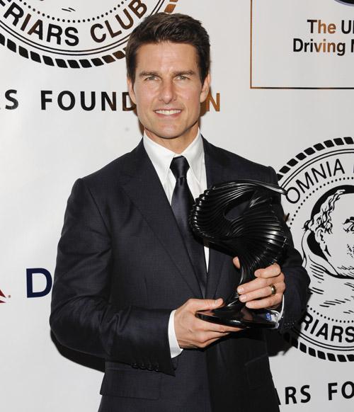Tom Cruise recibe un homenaje en Nueva York acompañado por sus hijos Suri y Connor