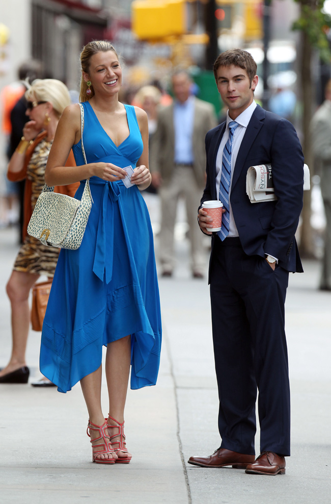 Blake Lively, puro estilo y 'glamour' en el set de rodaje de 'Gossip Girl'