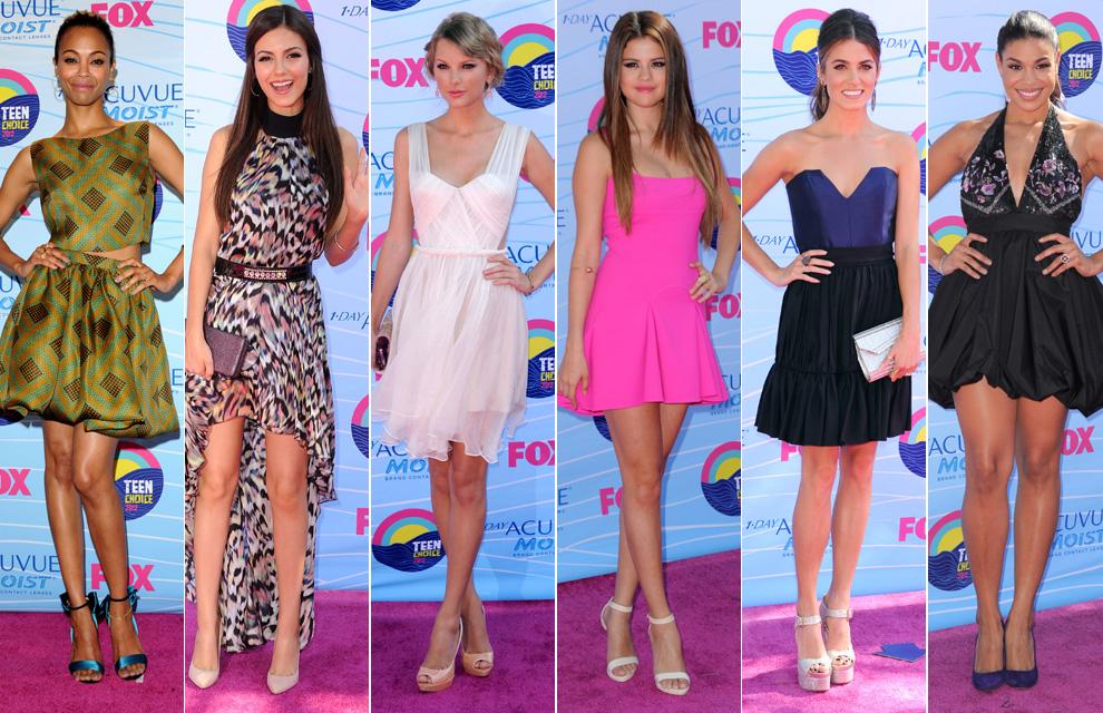 Las j  243 venes estrellas  surfean  en los premios Teen ChoiceVictoria Justice And Taylor Swift