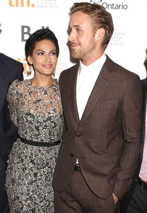 Eva Mendes y Ryan Gosling, pareja de moda entre las estrellas de Toronto