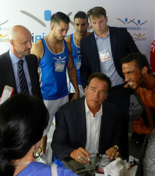 A pesar de estar enfermo, Arnold Schwarzenegger cumple con sus compromisos en Madrid