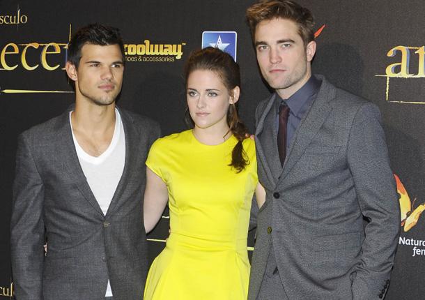 Robert Pattinson y Kristen Stewart, timidez, sensualidad y misterio en la alfombra roja de Madrid