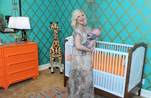 Tori Spelling nos enseña la habitación de su bebé Finn: 'Es tal y como habíamos imaginado'