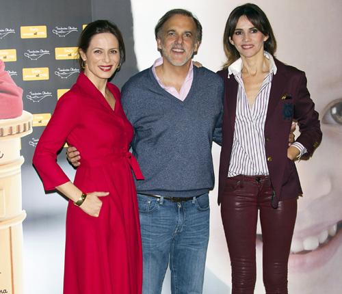 Aitana Sánchez-Gijón y Goya Toledo recogen sonrisas y cartas con el sello de la fundación Aladina