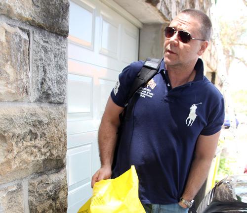 ¡Papá vuelve a casa! Russell Crowe se reúne con sus hijos después de varios meses de trabajo