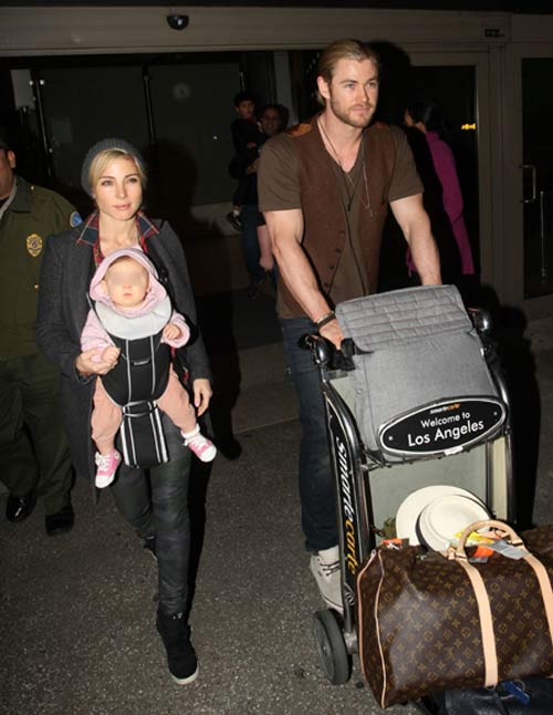 Elsa Pataky y Chris Hemsworth con su hija