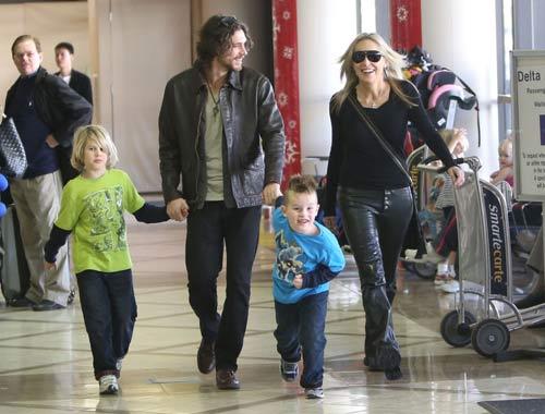 Sharon Stone, inmensamente feliz rodeada de los cuatro hombres de su vida