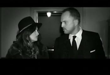 Penélope Cruz despide el 2012 cantando a dúo con Miguel Bosé