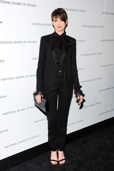 Anne Hathaway, Amanda Seyfried, Jessica Chastain y Emily Blunt, duelo de bellezas en una noche de premios en NY