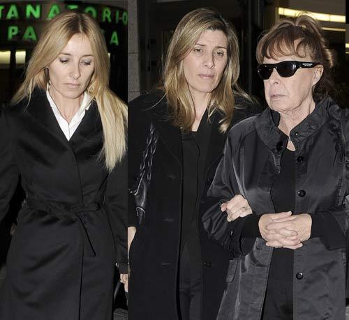 Cayetana, Natalia y Fernando Guillén Cuervo, desolados en el último adiós a su padre