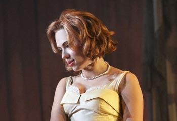 Una sensual Scarlett Johansson convence en Broadway
