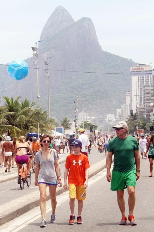 Harrison Ford y Calista Flockhart con su hijo Liam, días de placer y diversión en Río de Janeiro
