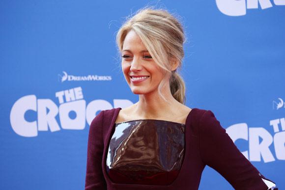 Blake Lively 'roba' el protagonismo a Emma Stone en la premiere de 'The Croods'