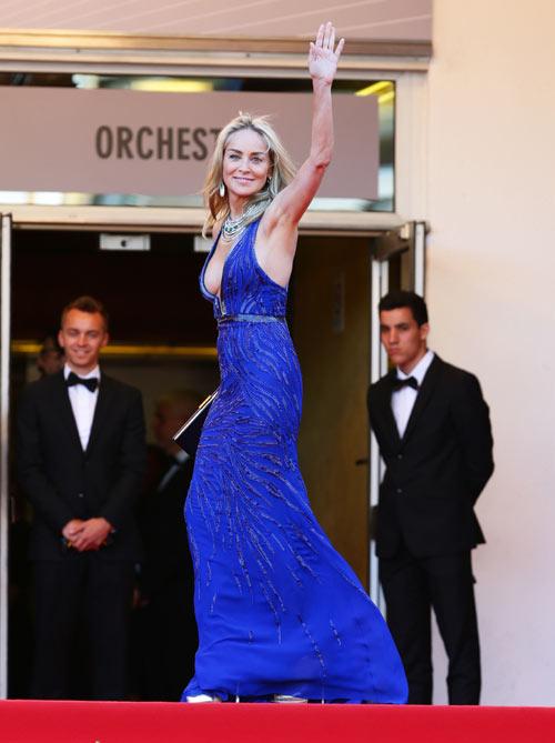Sharon Stone, en todo su esplendor a sus 55 años, deslumbra en Cannes