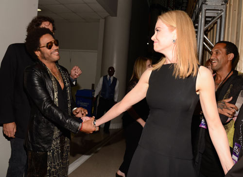 2 in addition Cindy Blackman Divine Drummer moreover News Lenny Kravitz Torse Nu Et Sexy Pour Interview Photos 10859 further Music also Marisa Tomei Josh Radnor n 4594838. on are you go my way lenny