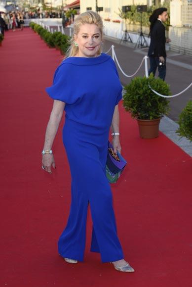 Lola Dueñas, Jonathan Rhys Meyers y Natalia Vodianova acuden a una romántica cita con el cine