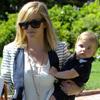 Reese Witherspoon, tierna mamá de día y sexy esposa de noche