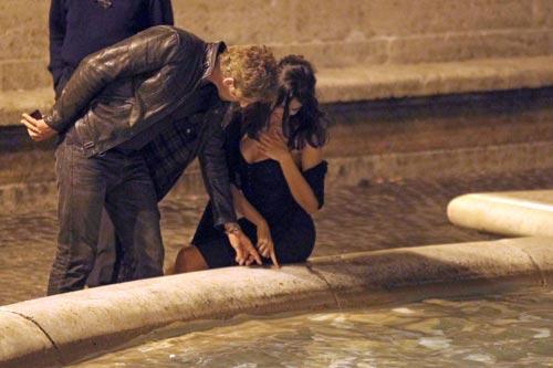 Gerard Butler y Madalina Ghenea, postal de amor desde Roma